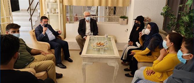 Οι έξι Αφγανές βουλευτές που φιλοξενούνται στην Ελλάδα (εικόνες)