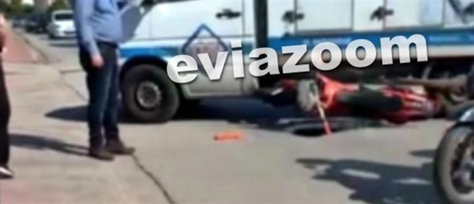 Τροχαίο - Χαλκίδα: Μηχανή καρφώθηκε σε φορτηγό (εικόνες)