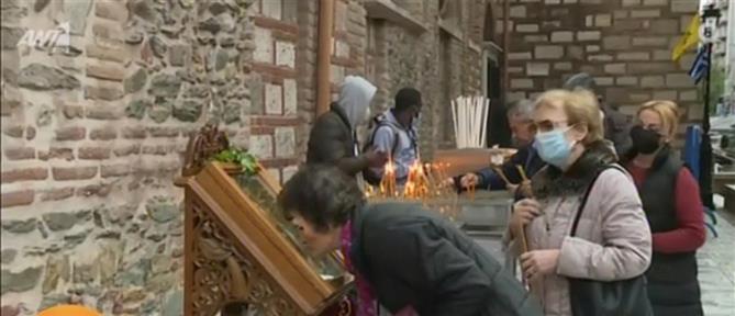 ΣΥΡΙΖΑ για τον συνωστισμό στον Άγιο Δημήτριο: Η κυβέρνηση κάνει τα στραβά μάτια
