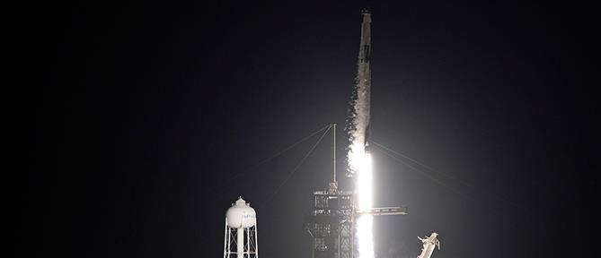 SpaceX: ξεκίνησε το πρώτο τουριστικό ταξίδι στο διάστημα