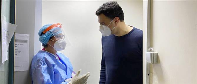Κορονοϊός - Κικίλιας: Επιστρατεύουμε κινητές μονάδες για τον εμβολιασμό στα ξενοδοχεία