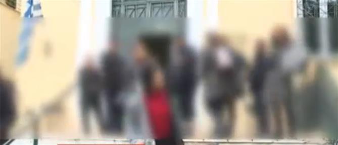 Οργή για τον 57χρονο που κατηγορείται για ασέλγεια σε 4χρονη (βίντεο)