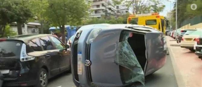 Νέα Σμύρνη: τροχαίο με ανατροπή οχήματος (εικόνες)