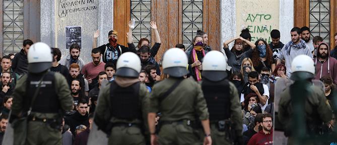 Μάρκου: καλά έκαναν οι φοιτητές κι έσπασαν την πόρτα της ΑΣΟΕΕ