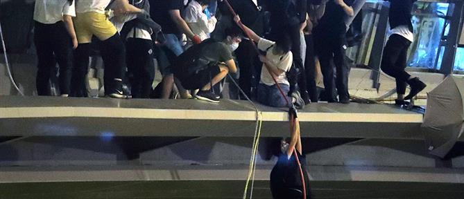 Χονγκ Κονγκ: Εγκλωβισμένοι στο Πολυτεχνείο δεκάδες διαδηλωτές (βίντεο)