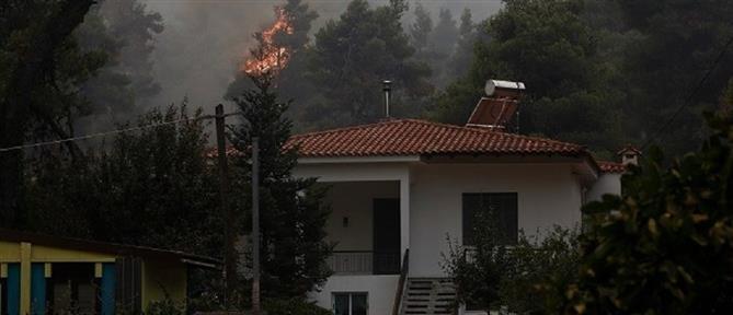 Φωτιά στην Πάτρα: Καίγονται σπίτια - Τραυματίστηκε πυροσβέστης (εικόνες)