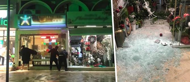 Μπαράζ διαρρήξεων σε καταστήματα στη Βούλα