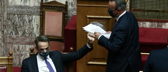 """Δεν """"πέρασε"""" από τη Βουλή η πρόταση δυσπιστίας κατά Σταϊκούρα"""