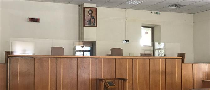 """Πάτρα: """"λουκέτο"""" στα δικαστήρια"""