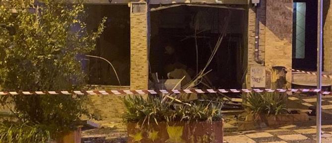 Μεγάλες ζημιές από έκρηξη σε ΑΤΜ (εικόνες)