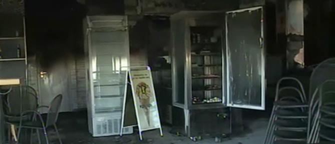 Φωτιά σε φούρνο στο Ελληνικό (εικόνες)